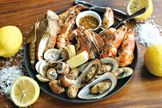 03_prayabuffet_Mix grilled seafood