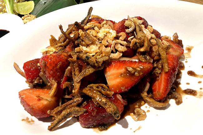 Thai Taste Hub Mahanakhon CUBE-phed phed hey!