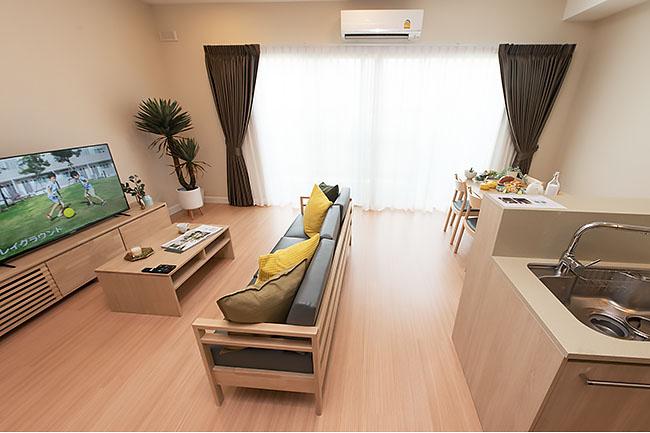 harmoniq-residence_living room