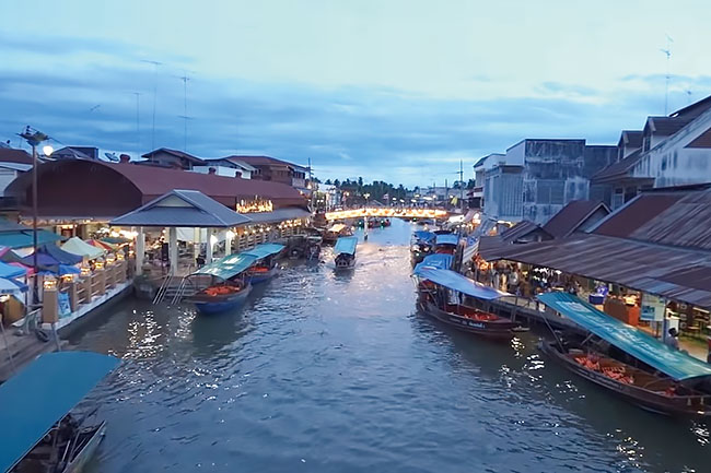 maibaru_Amphawa Floating Market