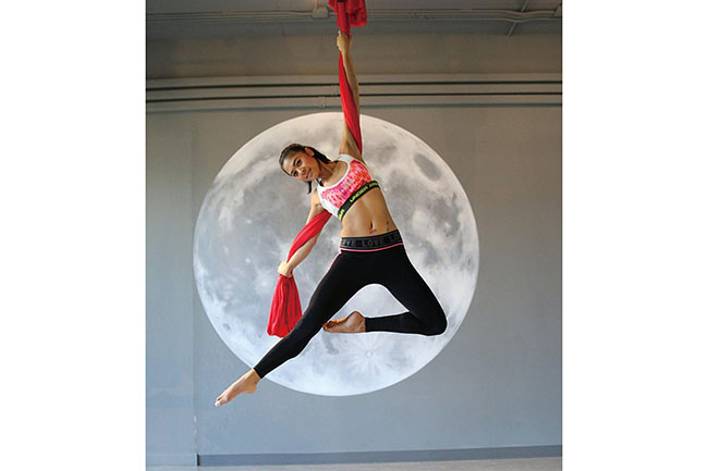 Fly Me to the Moon Pole & Aerial Studio-Hammock 03
